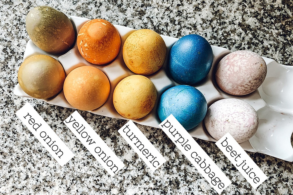 Natural egg dye, natural dyes for easter eggs, natural dye recipes, easter egg dyeing, easter crafts with kids, kids easter crafts, colored eggs, dyeing easter eggs, kids recipes, kids experiments, easter science experiments for kids, using foods to dye eggs, family easter crafts, family easter diy, kitchen science, kids easter, natural dye, uses for hardboiled eggs, French onion soup recipe, the rural legend, family blog, food blog, easy recipe, easter recipe, style blog, kids crafts blog, crafts blog, diy blog