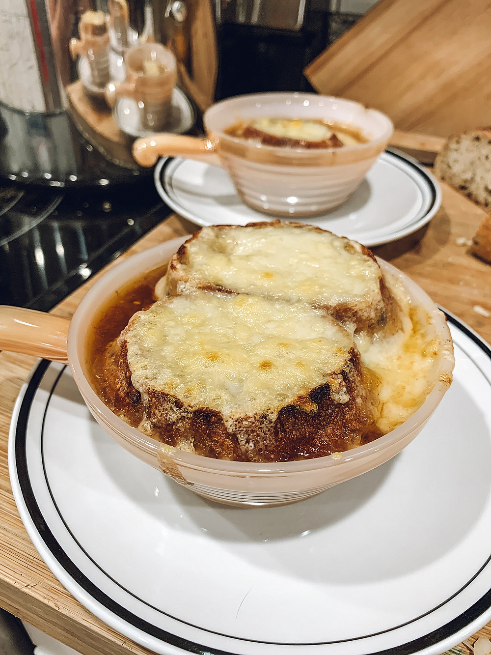 French onion soup recipe, Easy French onion soup recipe, Comfort food, Winter recipes, Holiday recipes, Gruyere, Soup recipe, Family recipe, Family friendly recipe, Family traditions, Uses for leftover beef