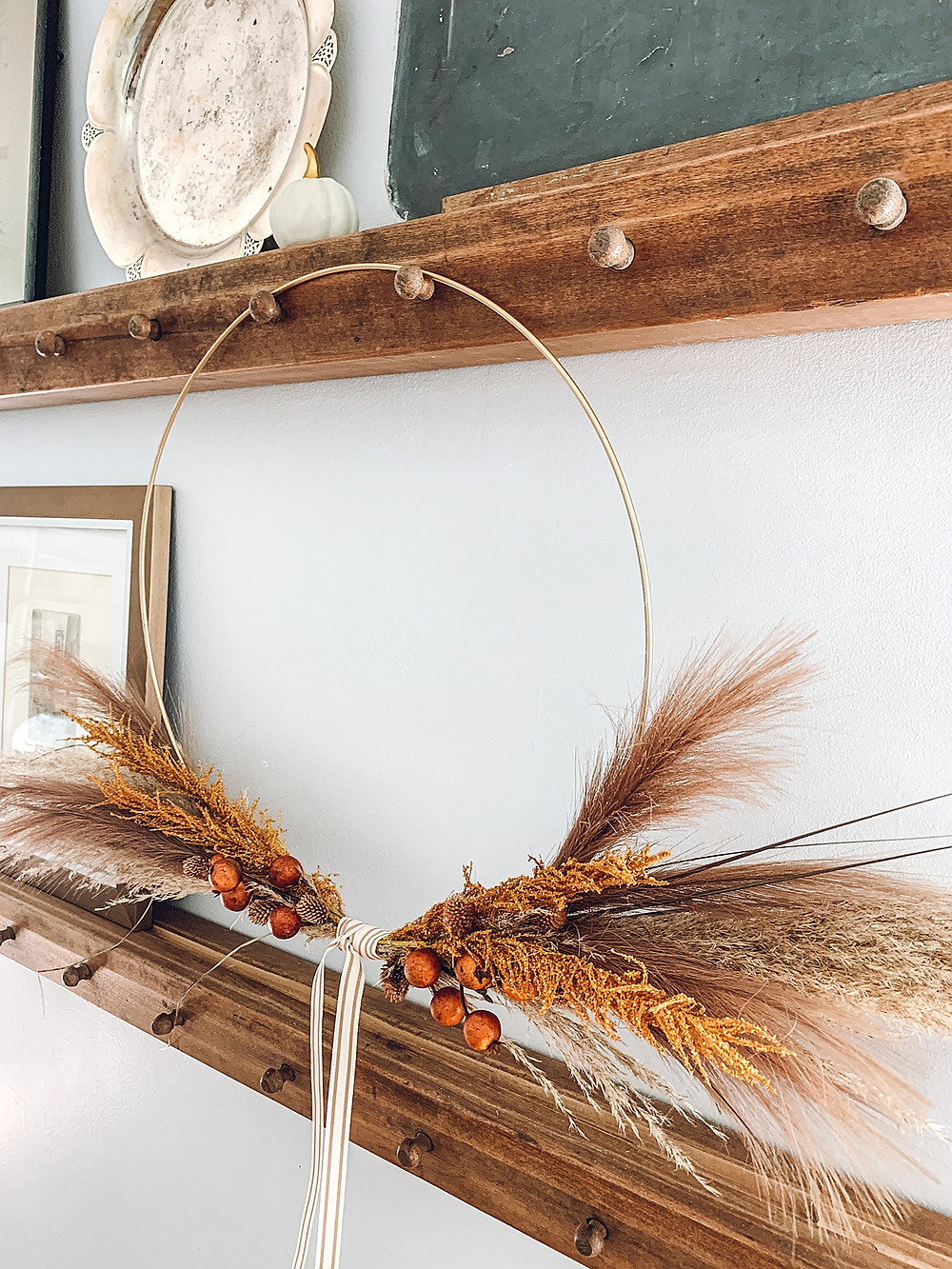 Fall décor, farmhouse fall décor, fall wreath, front porch décor, front door wreath, front porch wreath, diy wreath, dried florals, diy fall wreath, the rural legend, easy diy, michael's craft stores, #makeitwithmichaels