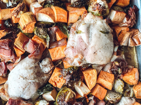 Easy Sheet Pan Chicken with Roasted Veggies, Apples & Bacon