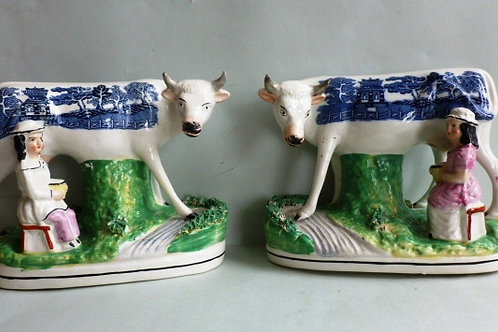 RARE PAIR 19THC STAFFORDSHIRE COW GROUPS WITH TRANSFER WILLOW PATTERN