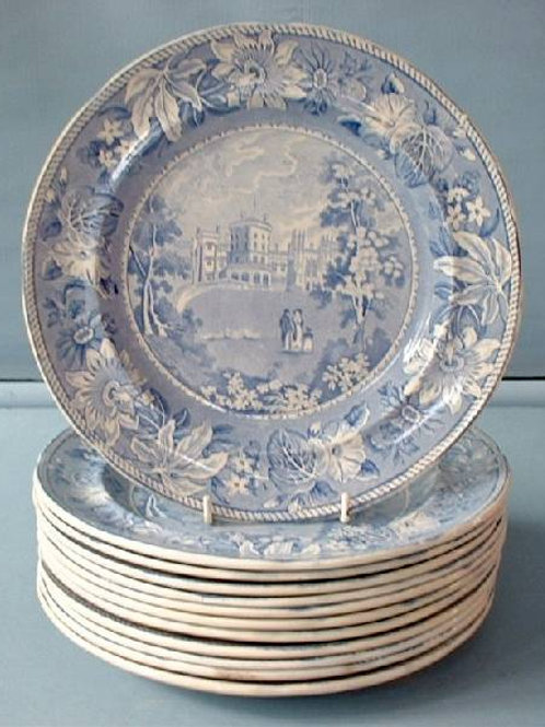 SET OF 12 EARLY 19THC. BLUE AND WHITE/PEARLWARE PLATES BELVOIR CASTLE