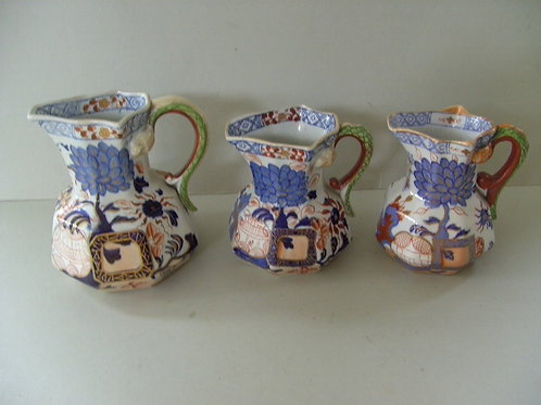 19THC. DAVENPORT JUGS IN VASE AND PEONY PATTERN