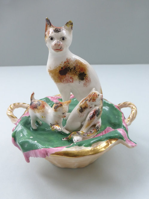 SUPERB 19THC. STAFFORDSHIRE CAT AND KITTEN GROUP