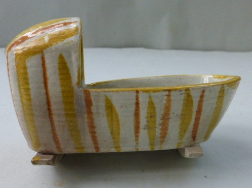 EARLY 19THC STAFFORDSHIRE PEARLWARE CRADLE