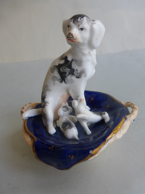 19thc. Staffordshire King Charles Spaniel with Puppies. Ref # 4343