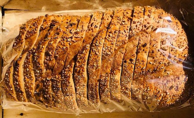 bread-tin-loaf-honey-spelt_edited.jpg