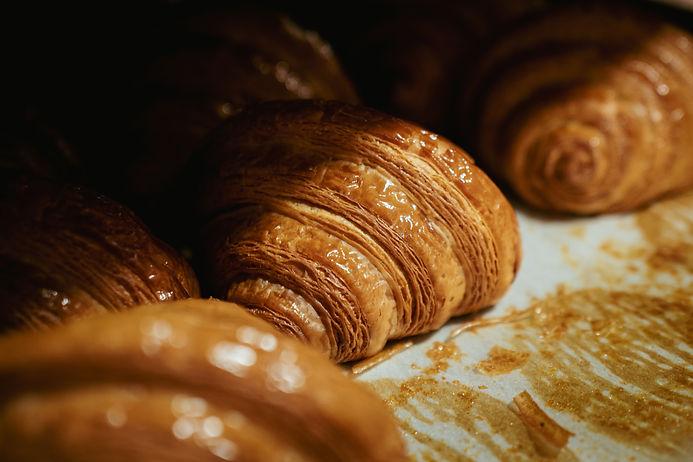 Le Matin Patisserie - Croissants