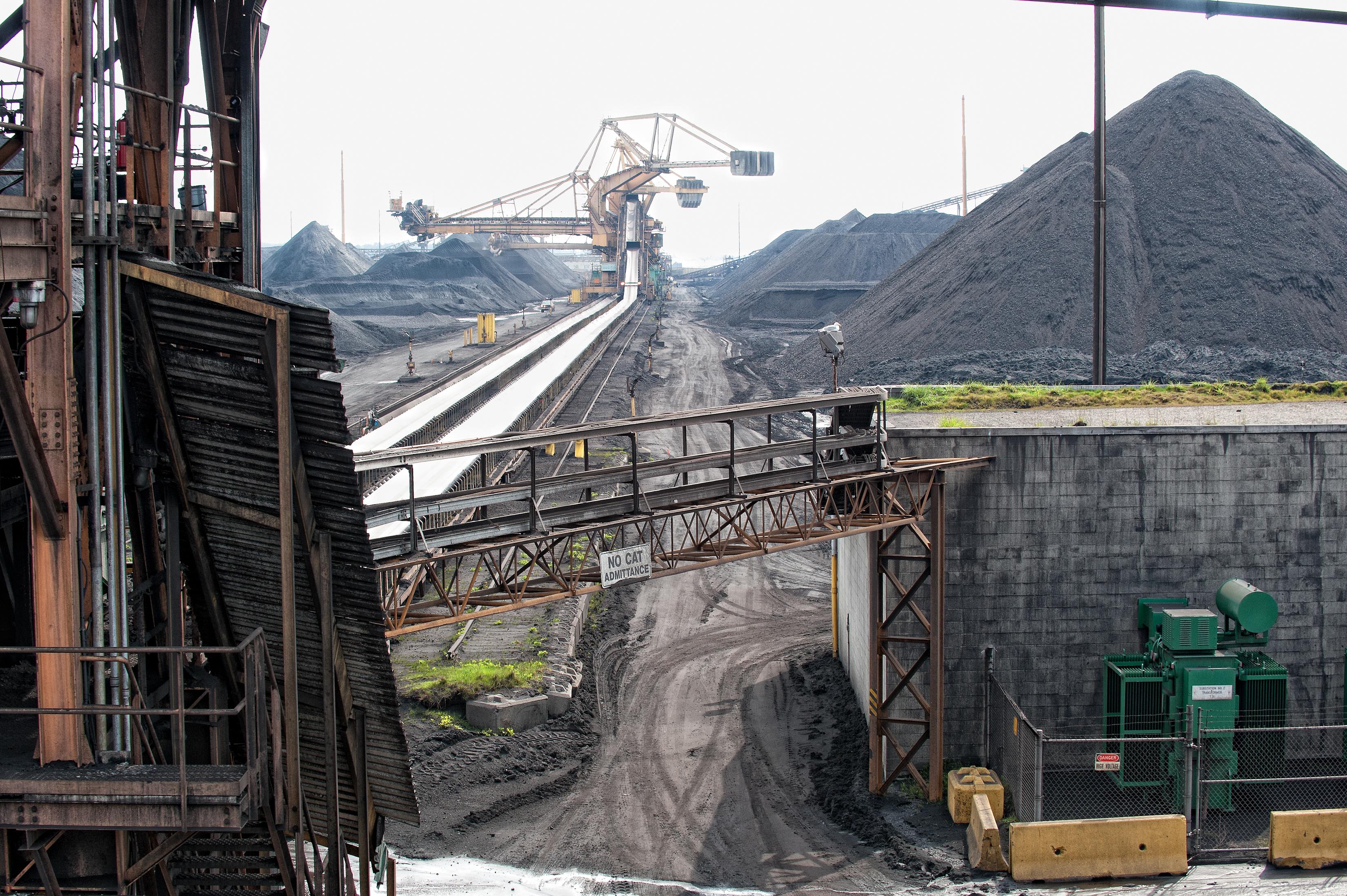 20110420-20110420-110420046Paul_K_Anderson_Coal.jpg