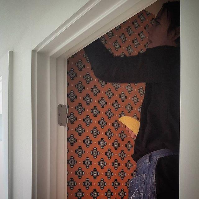 The Wallpaper Ladies killing it at the #rosedaleremodel