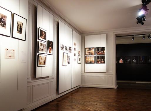 Exposition. Paris