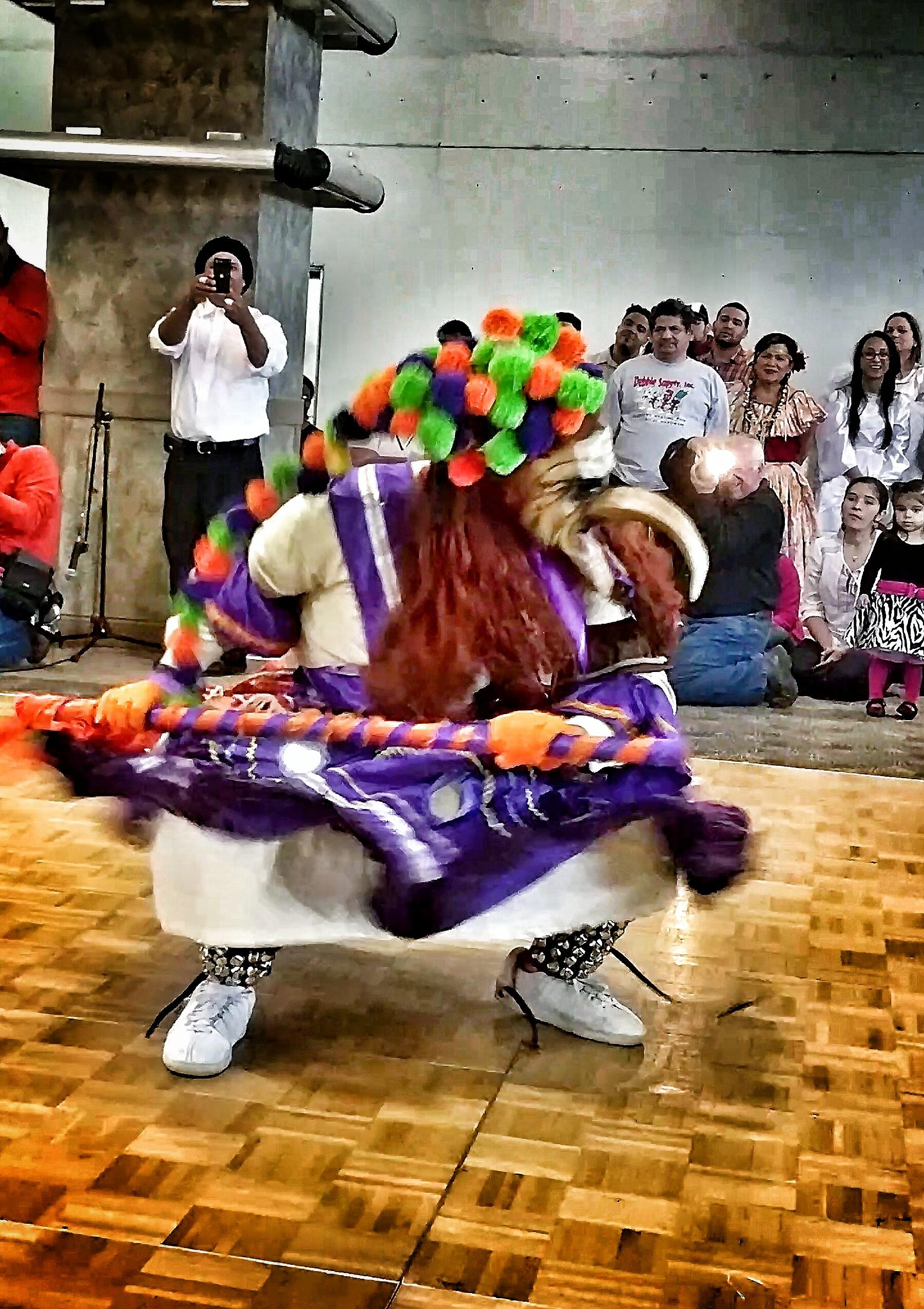 La Danza de los Diablo Espejos - Arzouma Kompaore.jpg