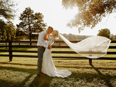 Wedding Planning 101: What You NEED to Ask When Hiring Wedding Vendors.
