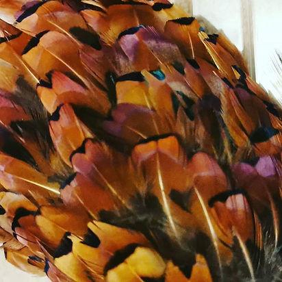 A new neck feather table center piece un