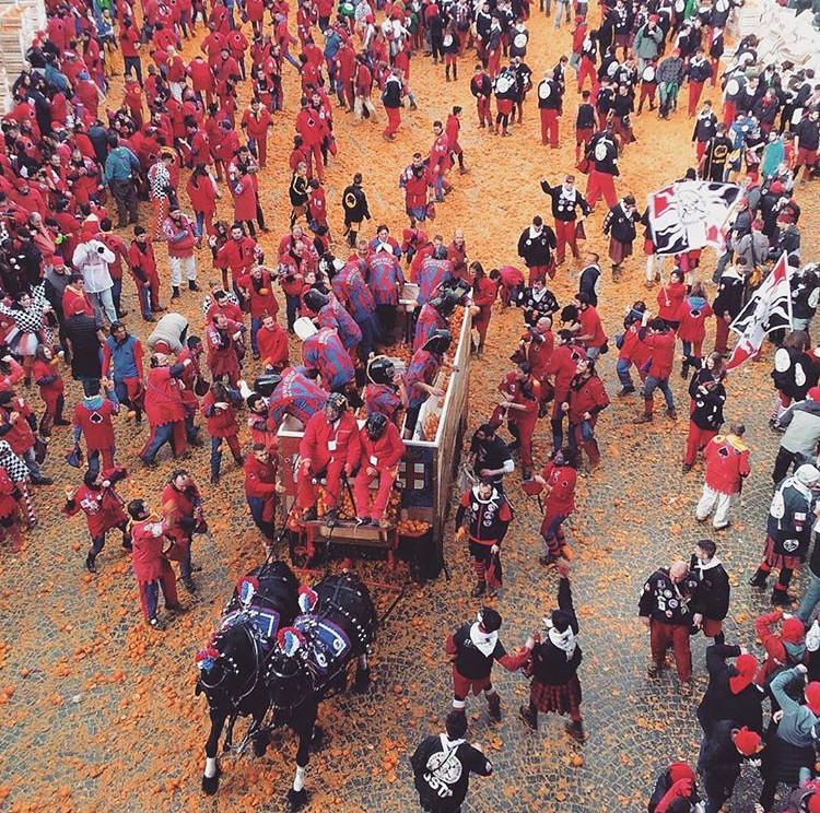 Battaglia delle Arance, Storico Carnevale di Ivrea