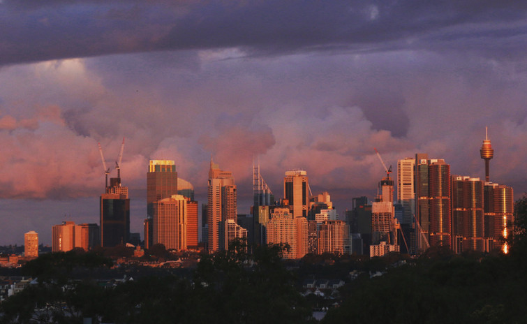 Storms movng across Sydney