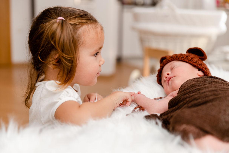 FOTOGRAFIRANJE NOVOROJENČKA SLOVENJ GRADEC KOROŠKA FOTOGRAFIRANJE NOVOROJENČKA MARIBOR ŠTAJERSKA Fotografiranje novorojenčka | Slikanje dojenčka | Smash the cake fotografiranje novorojenčka