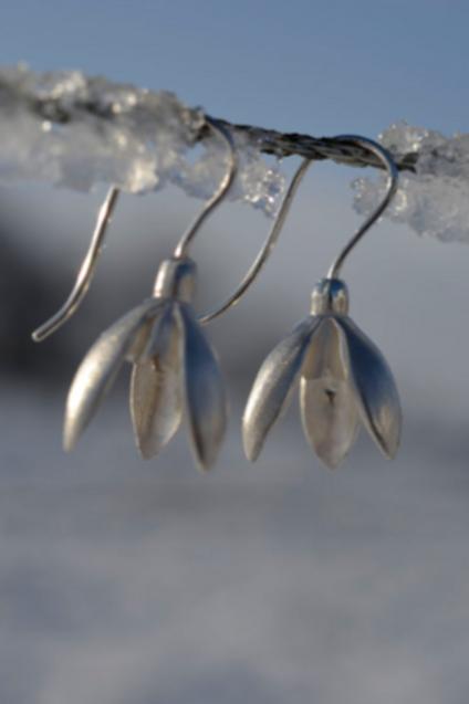 SNOWDROP EARRINGS