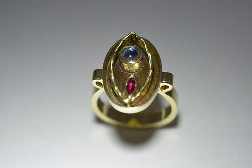 RUBY AND MOONSTONE RING