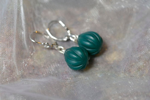 CARVED GREEN AGATE SILVER EARRINGS
