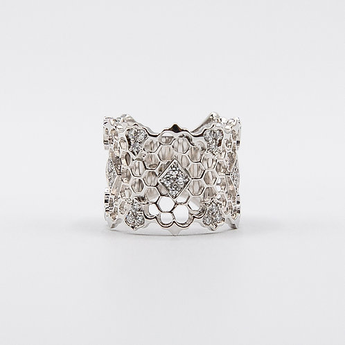 Beehive White Gold Ring with Diamonds