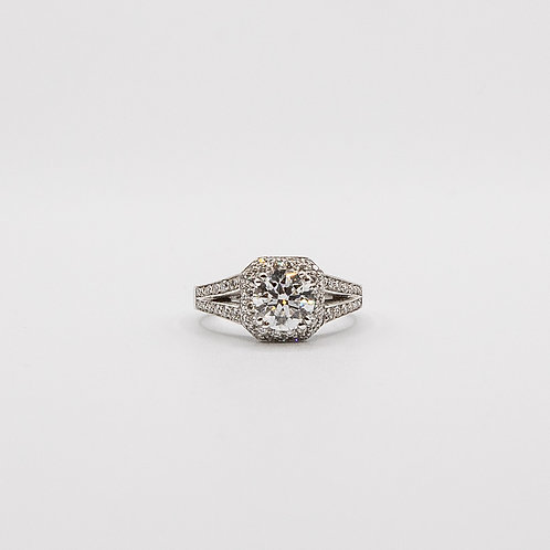 Solitaire Diamond Ring in White Gold surrounded with Pavé of GIA 0.70 VVS2 F
