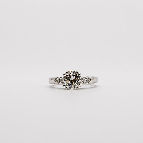 White Gold Diamond Ring (1 Brilliant-Cut and 2 Marquise-Cut)