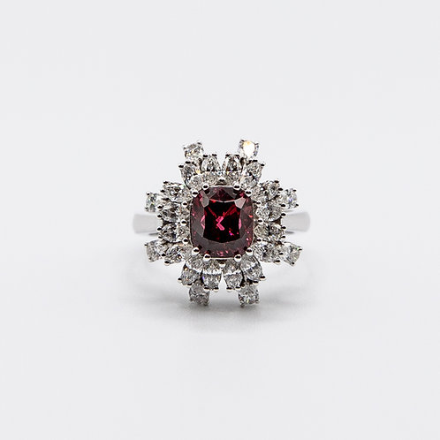 3.03 ct Burmese Spinel Ring in White Gold with Navette-cut and Drop-cut Diamonds