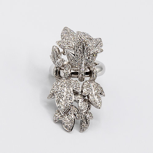 Edere Ring in White Gold with Diamonds