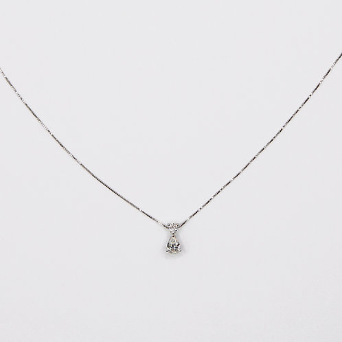 Necklace with Pendant formed by a Round-Cut Diamond and a Pear-Cut Diamond