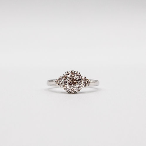 Fancy Diamond Ring in White Gold with 0.238 ct Diamond Pavé Contour