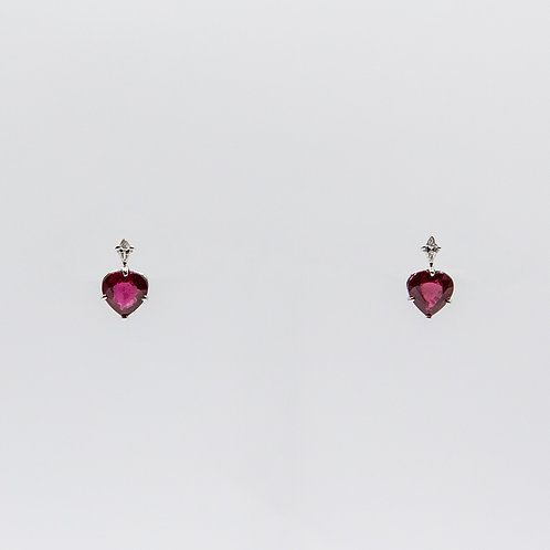 White Gold Earrings with 2 Heart-Cut African Rubies and 2 Arrow-Cut Diamonds