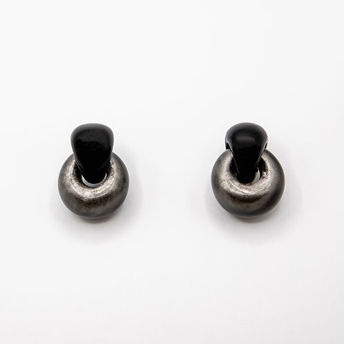 Monies Chain Earrings in Ebony and Grey Polycarbonate