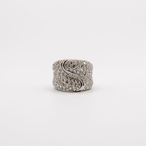 Raiteri White Gold Ring with Diamond Pavé
