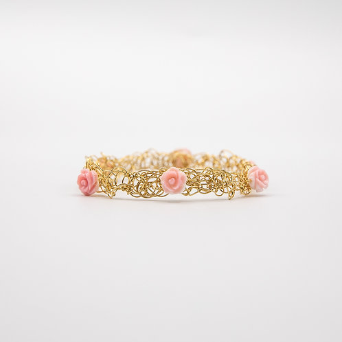 Yellow Gold laminated Silver Wire Bracelet with Roses