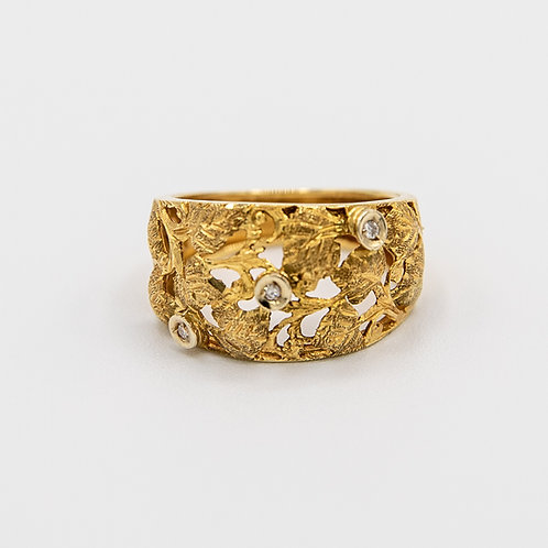 Hand Engraved Gold Ring with Floral Engraving