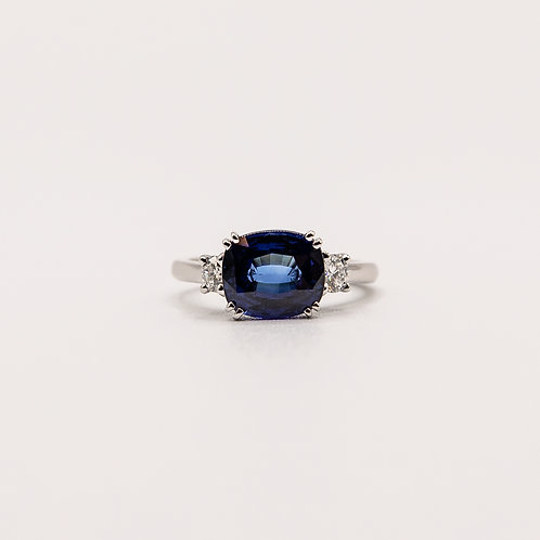 Sapphire Ring in White Gold with Diamonds