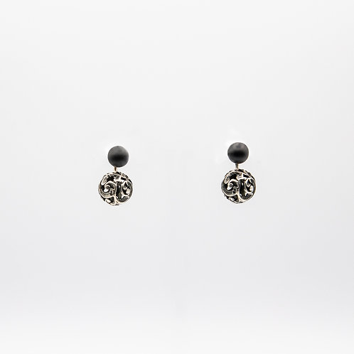 Hand-Engraved Black Rhodium-Plated Silver Faceted Earrings with Matt Onyx Balls
