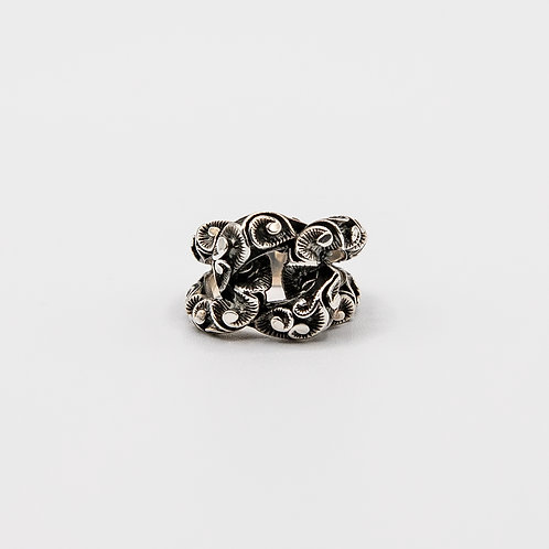 Pinky Ring with Groumette in Black Rhodium Silver and Floral Pattern