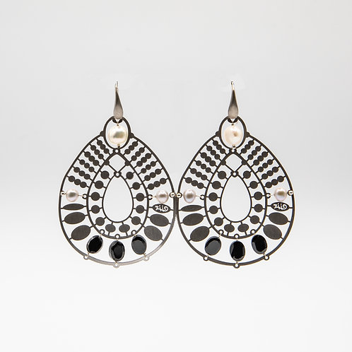 Ziio Silver Earrings with Onyx and Pearls