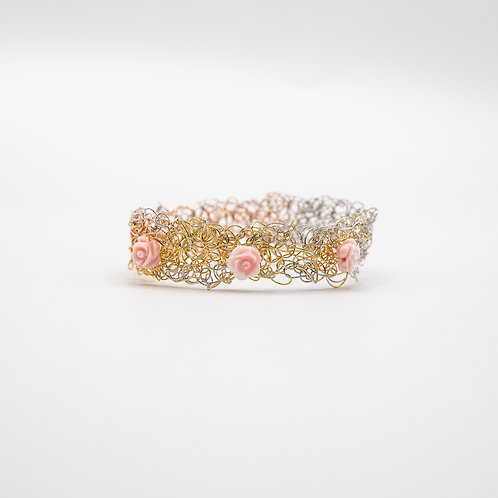 Yellow and Rose Gold laminated Silver Wire Bracelet with Roses