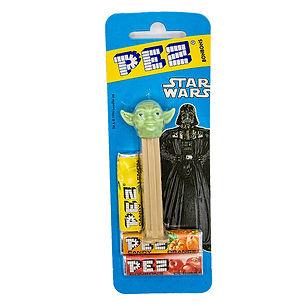 Star Wars PEZ Yoda in Package 1.jpg