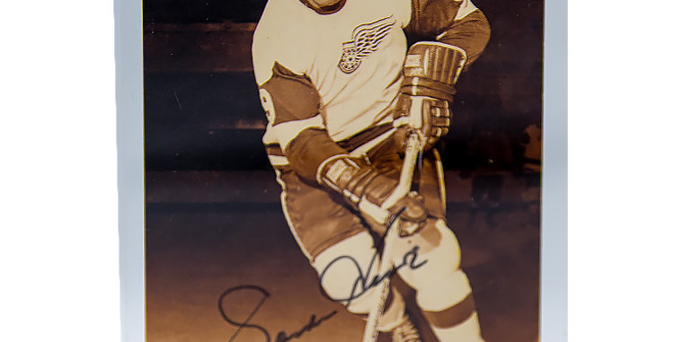 Autograph of Gordie Howe NHL and WHA Hockey Star from 1946 to 1980
