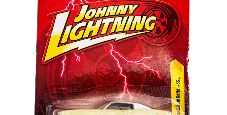 Johnny Lightning Car 1970 Chevy Monte Carlo SS