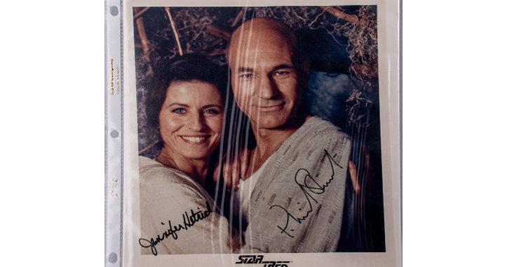 Autographs of Jennifer Hetrick & Patrick Stewart of Star Trek