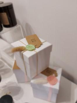 candle gift box_edited.jpg