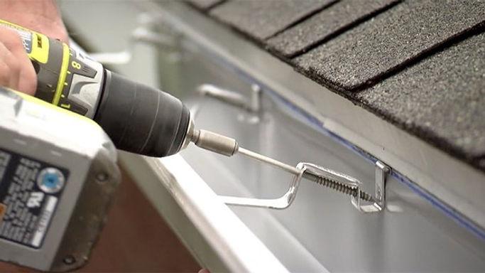 installing-gutters.jpg