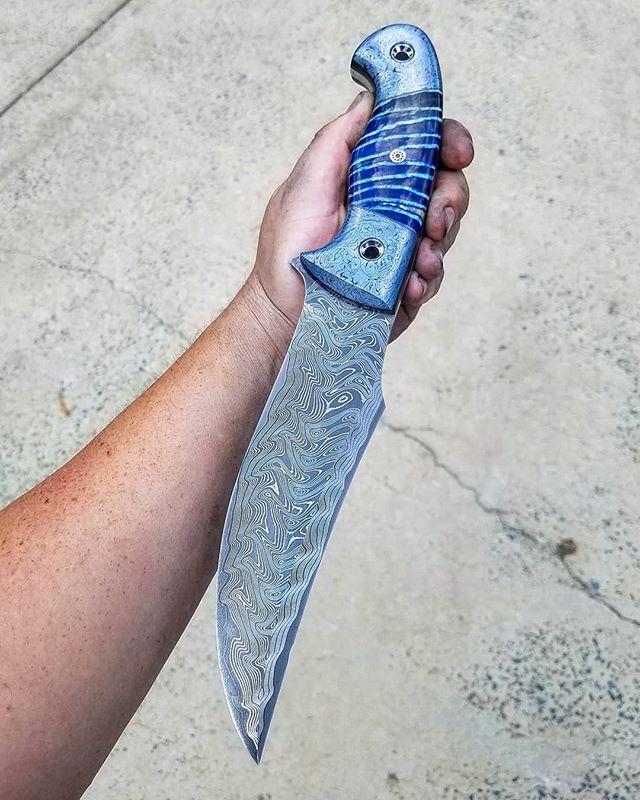 Fixed blade Friday Blueness.jpe