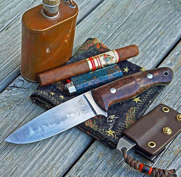 Friday night get right! Collab knife with _silverthornknife.  Mini pry with sheath and hank by yours truly.jpg