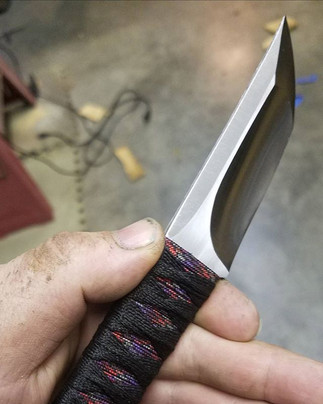 I'm in love with this little guy! #screechowlknives #wip #tactical #tanto #knifemaker #new #prototype  #customknives #japaneseinspired #grin